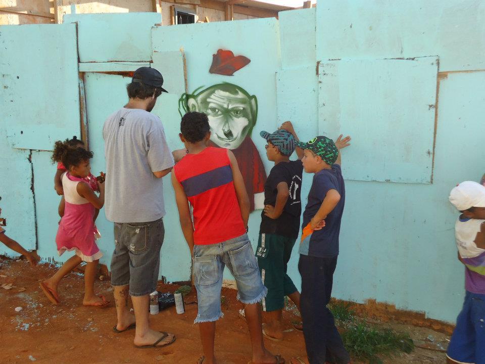 Oficina de Grafite com Miguel Wow
