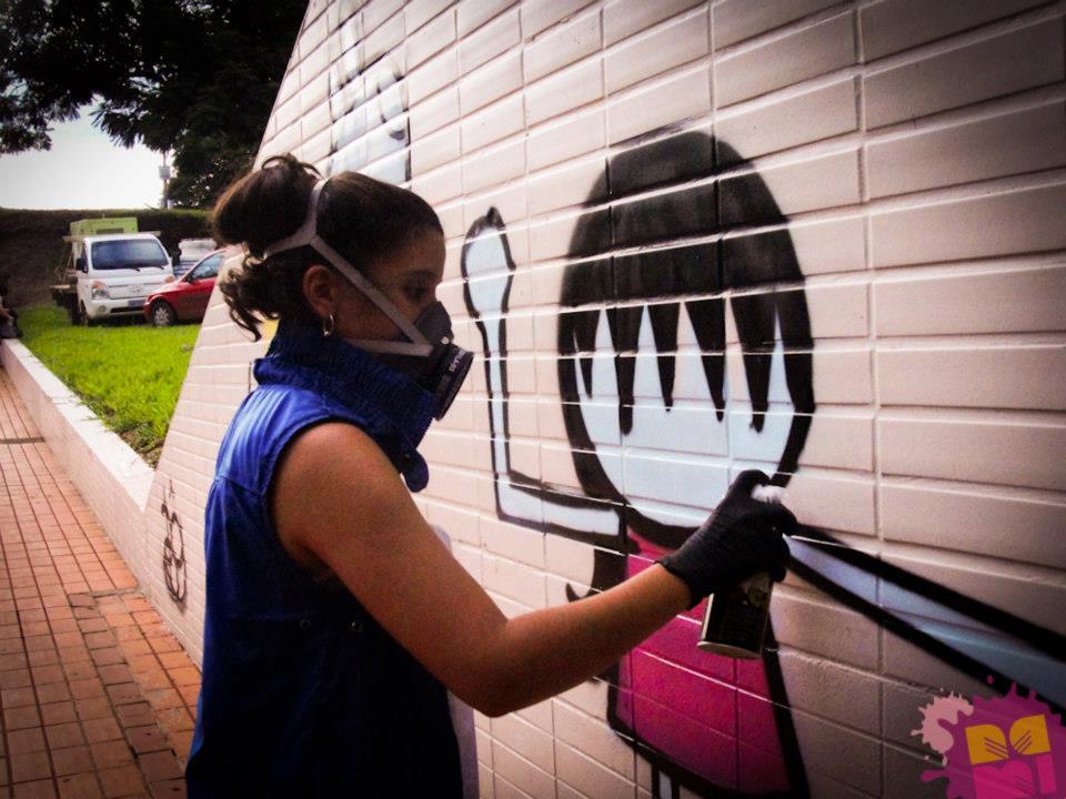 Ju Borgê, oficina de Graffiti.
